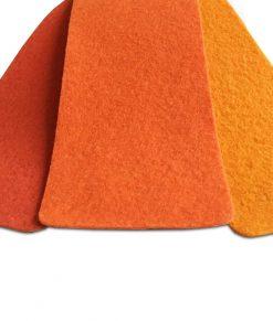 Orange nålfiltsmatta / mässmatta / montermatta / eventmatta - Mandarine 1333. Köp hel rulle eller måttbeställ storlek och form. Bra pris, snabb leverans Stockholm o Sverige.